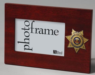"Sheriff Medallion 4"" x 6"" Horizontal Picture Frame - Mahogany"